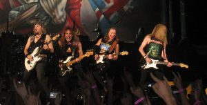 1280px-iron_maiden_perfoming