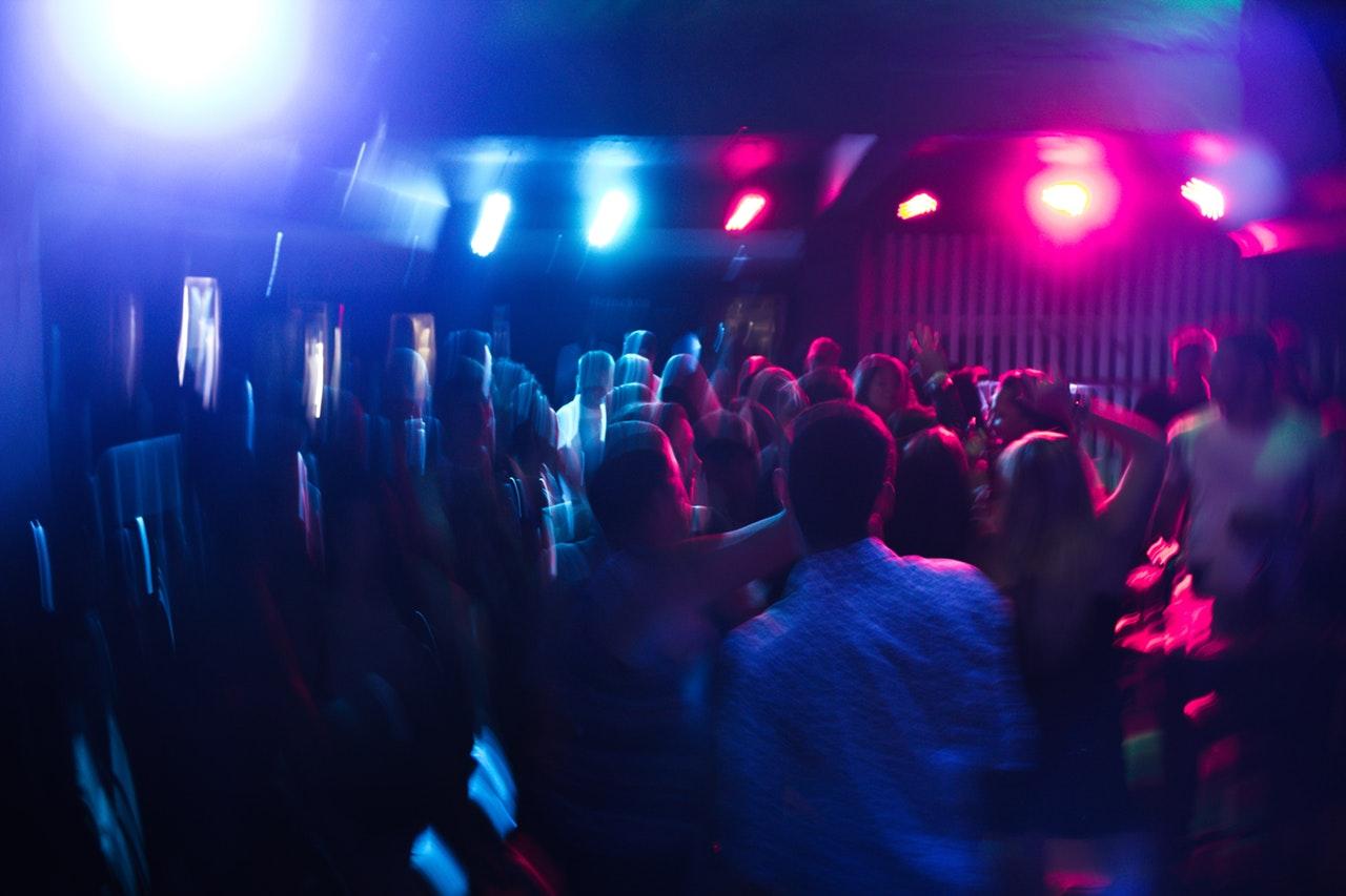 Vimmel på en nattklubb